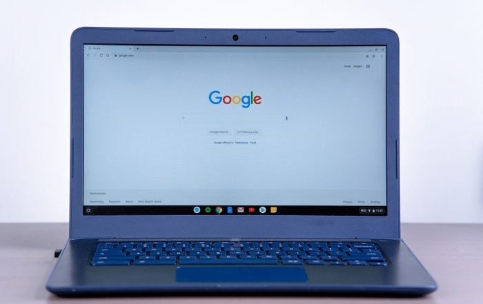 A chromebook with the laptop's logo edited out | Original image from Michael Hagelslag via Pixabay.com